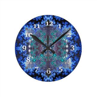 Helles blaues Kaleidoskop Runde Wanduhr