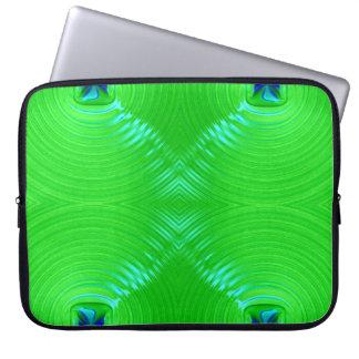 Hellgrüne Kräuselung 4 Laptop Sleeve