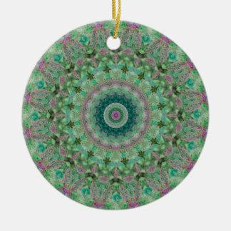 "Hellgrüne und lila ""Jahreszeiten: Frühlings-"" Rundes Keramik Ornament"