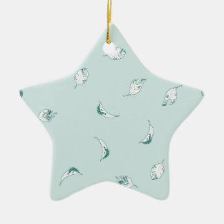 Hellgrünes und Weiß-Blätter Keramik Ornament