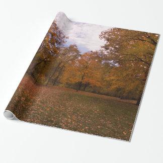 Herbst-Baum-Landschaft Geschenkpapier