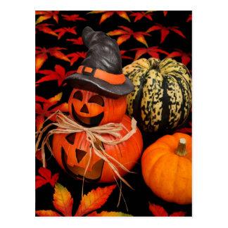 Herbst-Halloweenkürbise und -Herbstlaub Postkarte