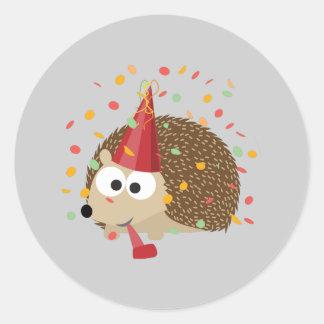 Hérisson de partie de confettis sticker rond