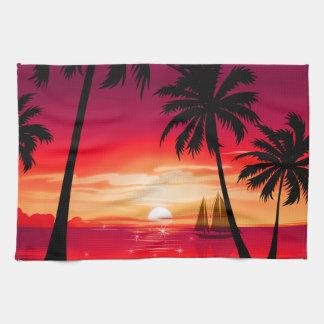 Herrlicher Shimmery Insel-Sonnenuntergang u. Handtuch