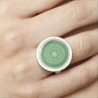 Herz Chakra Mandala-Ring Foto Ringe