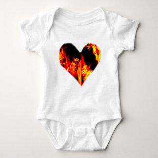 Herz der Flammen Baby Strampler