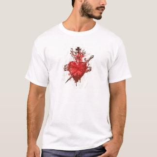Herz in den Flammen verwundet durch Dolch T-Shirt
