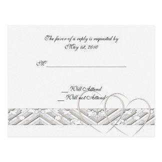 Herzen entwirrt in der weißen silbernen Wartekarte Postkarte