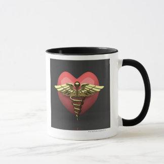Herzsymbol mit medizinischem Symbol (Caduceus) Tasse