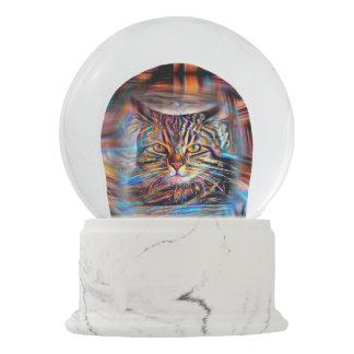 Hilflos Farbin der abstrakten Revolutions-Katze Schneekugel
