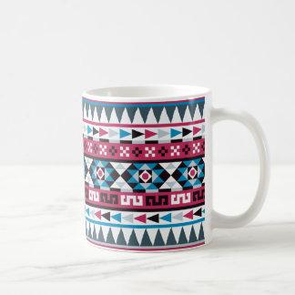 Himbeere und blaues aztekisches Muster Kaffeetasse