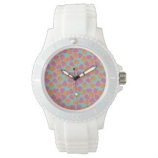 HimbeerMandarinen auf hellem Türkis-Blau Armbanduhr
