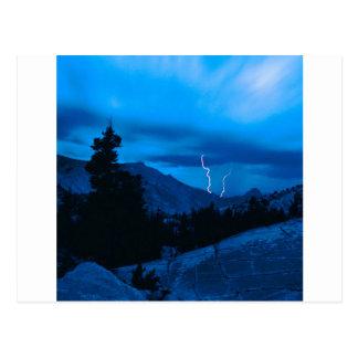 Himmel-stürmisches Wetter Yosemite Postkarte