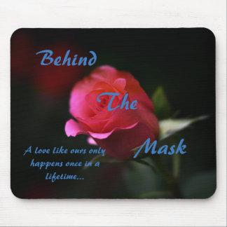 Hinter der Masken-Mausunterlage Mousepad