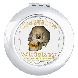 Hinterhof-Brand-Whisky Taschenspiegel