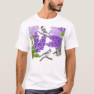 Hinterhof-Garten-Vögel im Flieder-Shirt T-Shirt