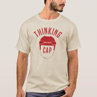 Hockey-Sturzhelm-denkende Kappe T-Shirt