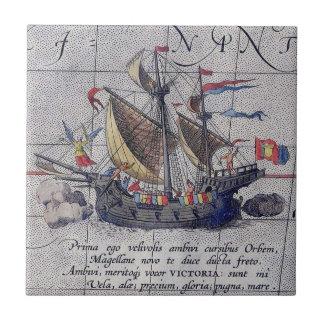 Hohes Schiff und Karte von Pazifischem Ozean Fliese