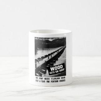 Holz erhält sie vorbei -- WW2 Kaffeetasse