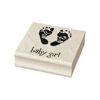 Hölzerne Kunst-Briefmarken/Baby-Mädchen mit Füßen Gummistempel