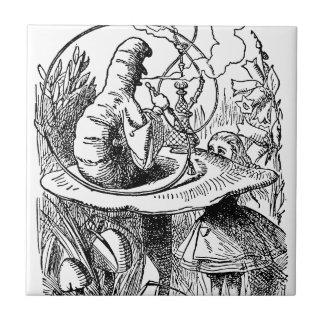 Hookah-rauchende Raupen-Alice im Wunderland Kleine Quadratische Fliese