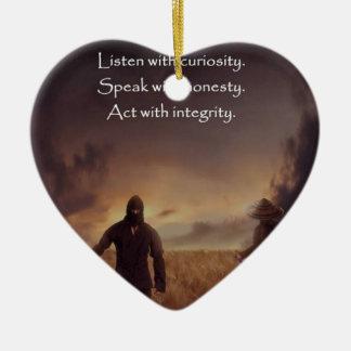 Hören Sie mit Neugier sprechen mit Ehrlichkeit Tat Keramik Herz-Ornament