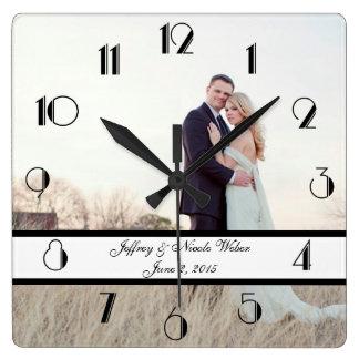 Horloge Carrée Cadeau de mariage personnalisé par coutume