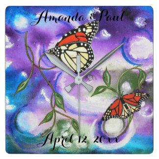 Horloge Carrée Cadeaux abstraits de maison de mariage de papillon