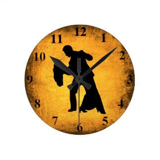 Horloge murale vintage de silhouette de couples de