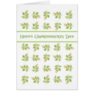 Hübsche rosa Rosenknospen am weißen Großeltern-Tag Karte
