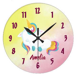 Hübsche Unicorn-Uhr, die Ihren Namen kennzeichnet Große Wanduhr