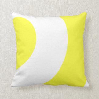 Hübsches Gelbes und Weiß Kissen
