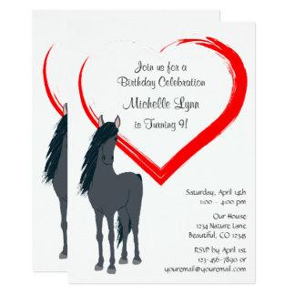 Hübsches schwarzes Pferd und roter Herz-Geburtstag 12,7 X 17,8 Cm Einladungskarte