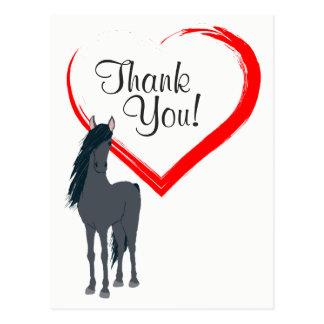 Hübsches schwarzes Pferd und rotes Herz danken Postkarte