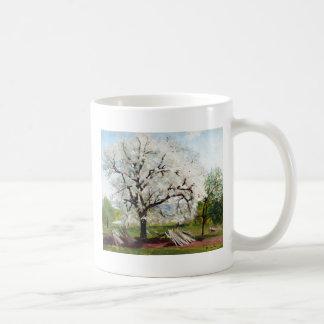 Hügel-blühender Obstbaum Karls Fredrik Kaffeetasse