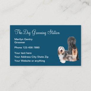 Hund, der beruflichen Groomer pflegt Visitenkarte