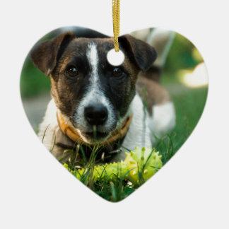 Hund und sein Spielzeug-Knochen Keramik Herz-Ornament