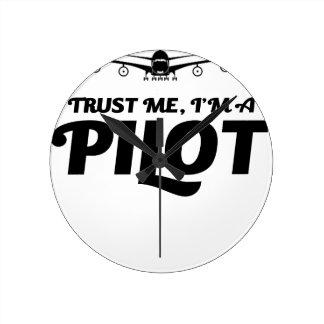 Ich bin ein Pilot Runde Wanduhr