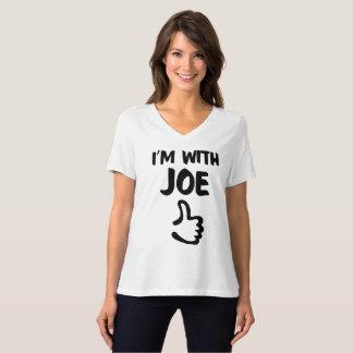 Ich bin mit dem entspannten geeigneten T-Shirt