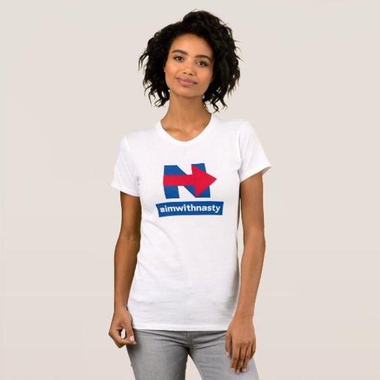 Ich bin mit ekligem T-Shirt