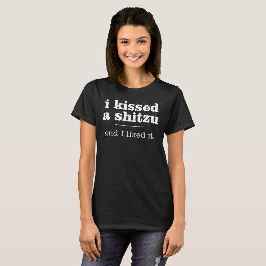 ich küsste ein shitzu T-Shirt