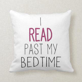 Ich las hinter meiner Schlafenszeit Kissen