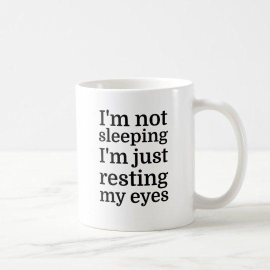 Ich schlafe nicht, ich stillstehe gerade meine tasse
