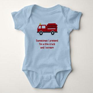 Ich täusche mich bin ein Löschfahrzeug vor und ich Baby Strampler