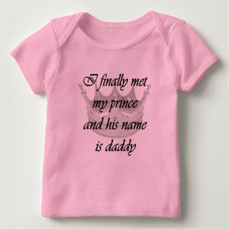 Ich traf schließlich meinen Prinzen und sein Name Baby T-Shirt