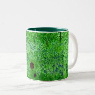 Igels-und Bluebell-Blumen Zweifarbige Tasse