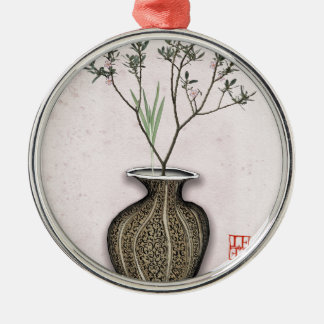 Ikebana 4 durch tony fernandes rundes silberfarbenes ornament