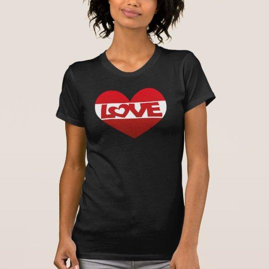 Illustrations-Herz mit Beschriftung LIEBE im Rot T-Shirt