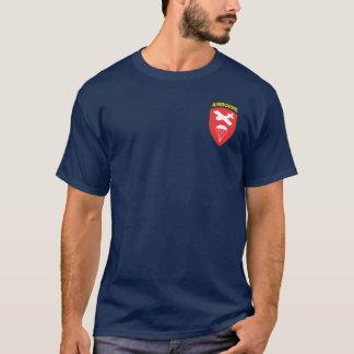 Im Flugzeug Befehls-T - Shirts