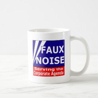 Imitat-Geräusche, welche die Kaffeetasse